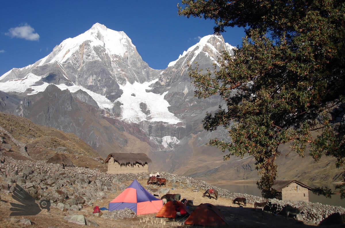 Carhuacocha Cordillera Huayhuash